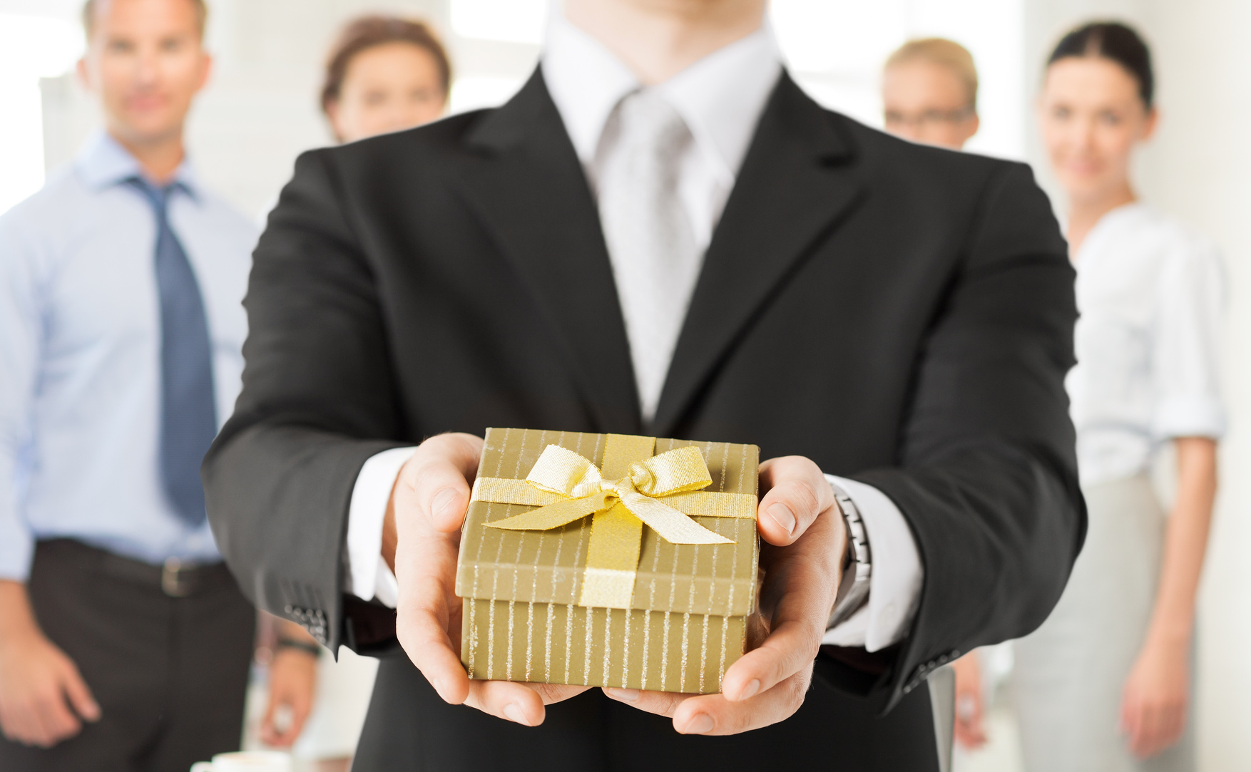 Avoid these Mistakes when Giving Corporate Gifts