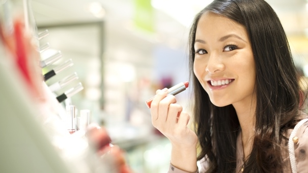 Factors to remember when buying lipstick