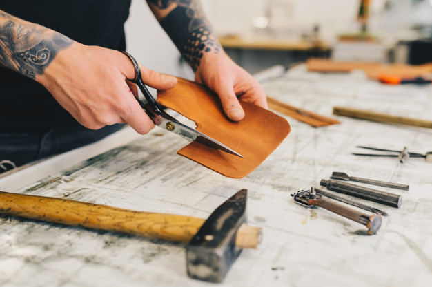 Pass the Leisure Time Productively at Leather Craft Singapore