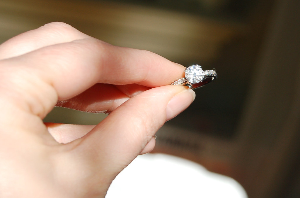 How to Buy Affordable Diamond Engagement Rings